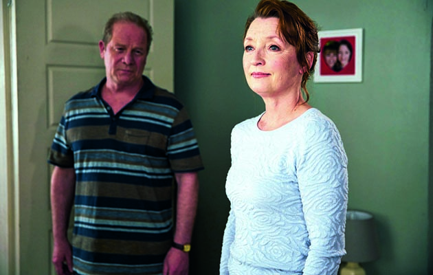 Jason and Kelly are getting ready to go on holiday, so Pauline and Derek bring a suitcase for them and Kelly's awful mum Carol (a scene-stealing Tanya Franks) turns up.