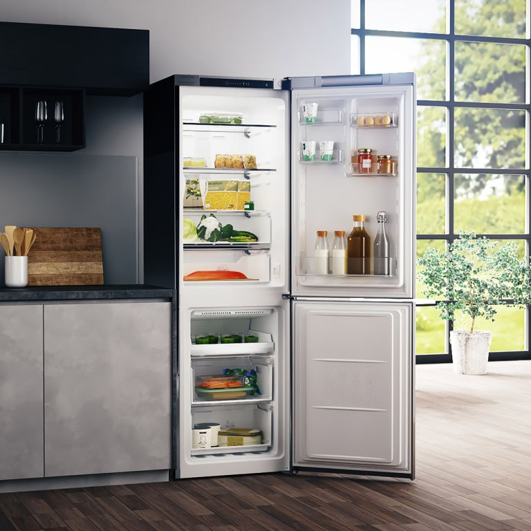 Fridge freezer deals: Hotpoint H3T811IOX Fridge Freezer