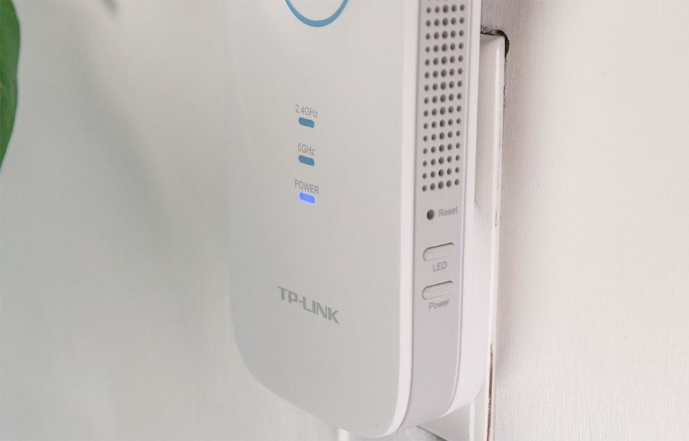 TP-Link RE450 Review | Top Ten Reviews