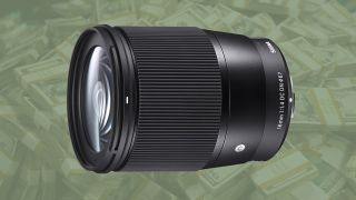 Save £100 on Sigma 16mm f/1.4 for Sony E-mount –just £349! (UK deal)
