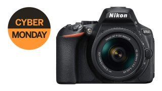 Early Cyber Monday bargain: save 41% on the Nikon D5600 + 18-55mm lens!