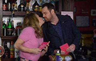 Linda Carter Mick Carter share kiss - but is it romantic disaster for Whitney and Halfway?