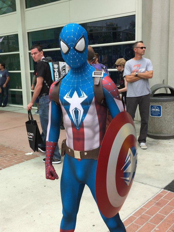 16 Amazing Costume Sightings At Comic Con On Friday