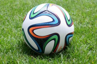 Brazuca soccer ball - newton's law of motion