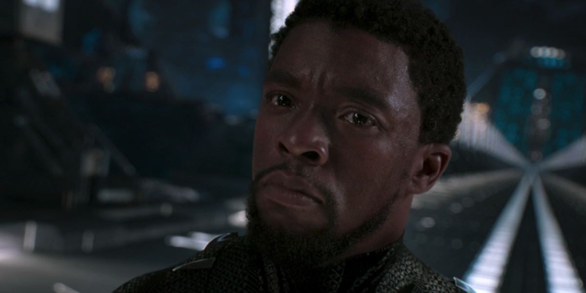 Как Кевин Файги из Marvel отдал дань уважения Чедвику Боузману, раскрывая планы относительно Вселенной Черной Пантеры