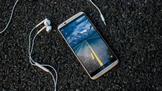 Now is the time to try Android Oreo on the ZTE Axon 7
