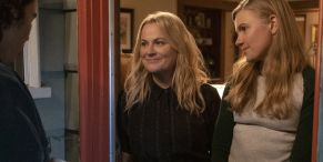 Amy Poehler Explains Her Approach To Making Movies After Directing Wine Country And Moxie