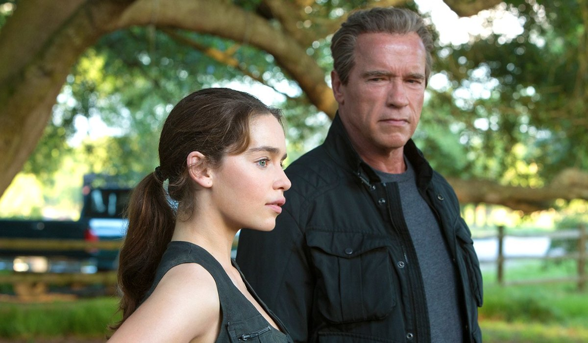 Terminator Genisys Pops and Sarah Connor visit the park