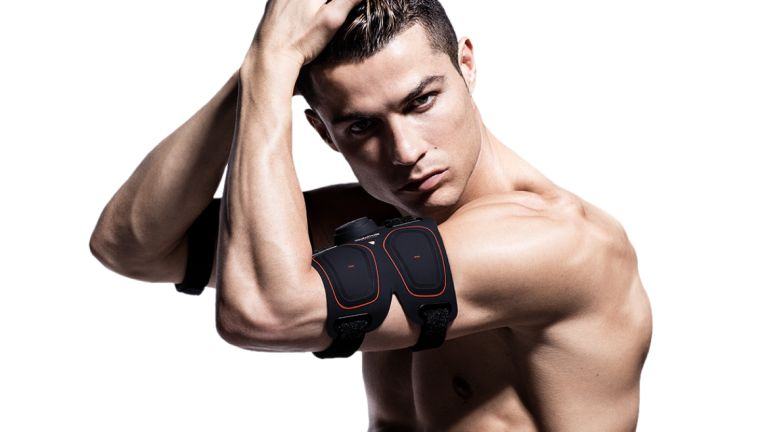 SIXPAD Abs Belt review: Christiano Ronaldo wearing a SIXPAD device