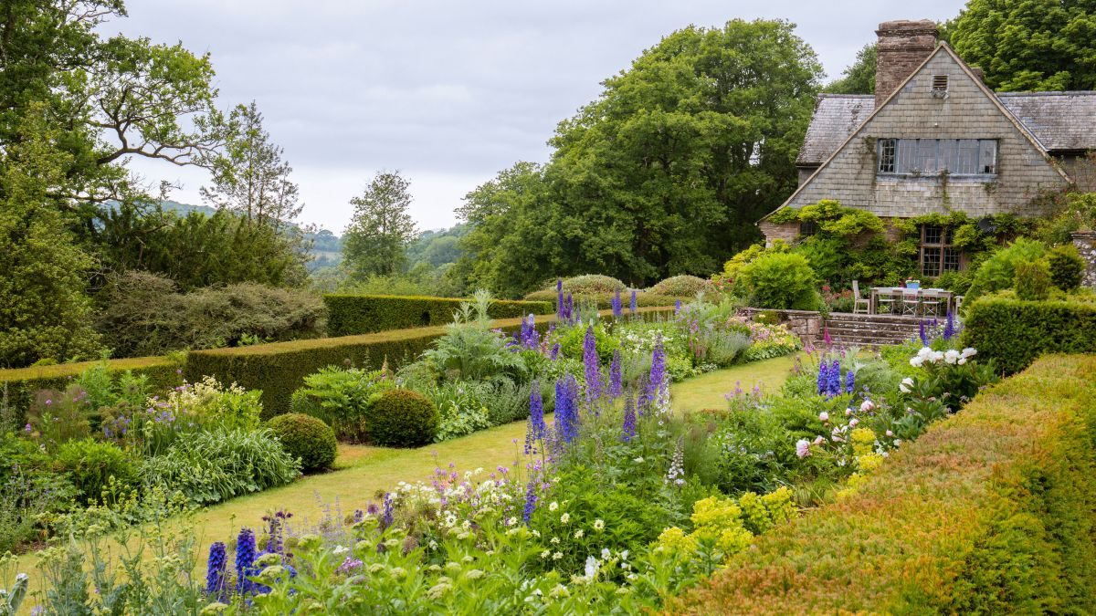 5 ways this historic Welsh garden showcases country style