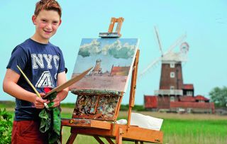 While most teenage boys are hiding away in their bedrooms playing video games, 14-year-old Kieron Williamson is wowing the art world.