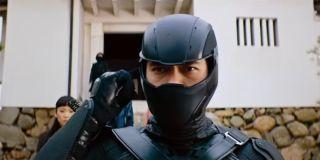 Snake Eyes getting ready to take on enemies in Snake Eyes: G.I. Joe Origins