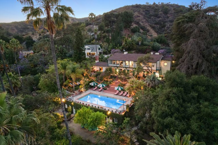 swimming pool in Helen Mirren's Hollywood Hills home