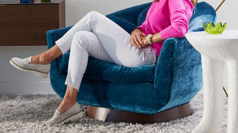 model wearing best shoes for flat feet from Vionic