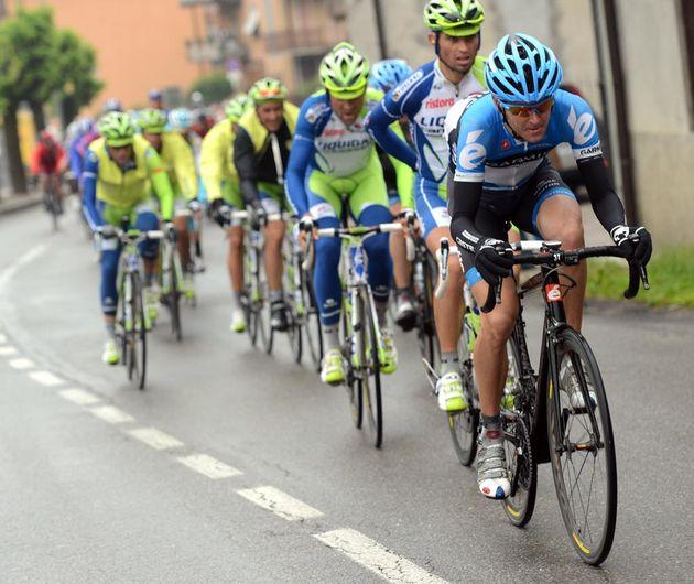 Peter Stetina chases, Giro d'Italia 2012, stage 15