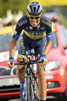 Alberto Contador (Saxo-Tinkoff) sprints to the finish in Chorges for the stage 17 mountain time trial