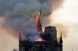 french cathedral on fire