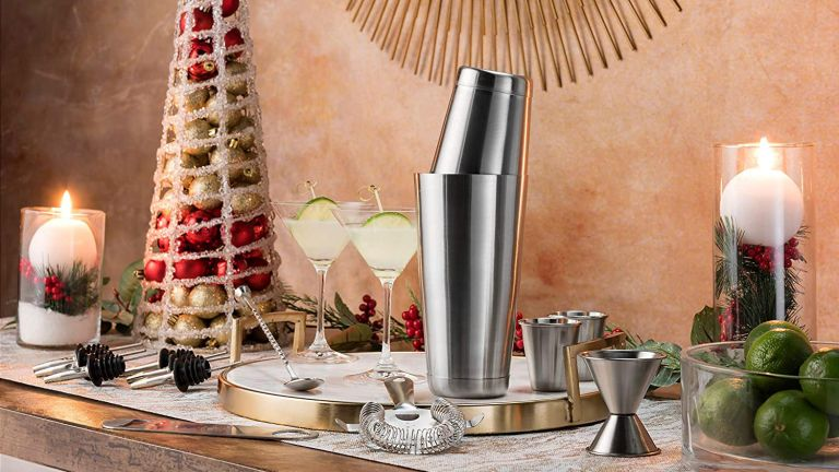 Home bar essentials: FineDine Store All-Inclusive 14-Piece Cocktail Making Set