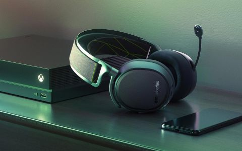 93706ee4432 The SteelSeries Arctis 9X provides great sound and a comfortable fit, but  almost every new design decision comes with a drawback.