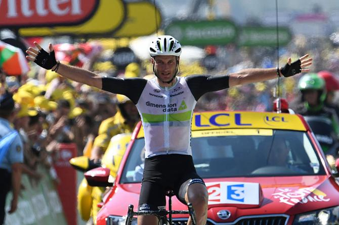 Steve Cummings (Dimension Data) wins stage 7 of the Tour de France