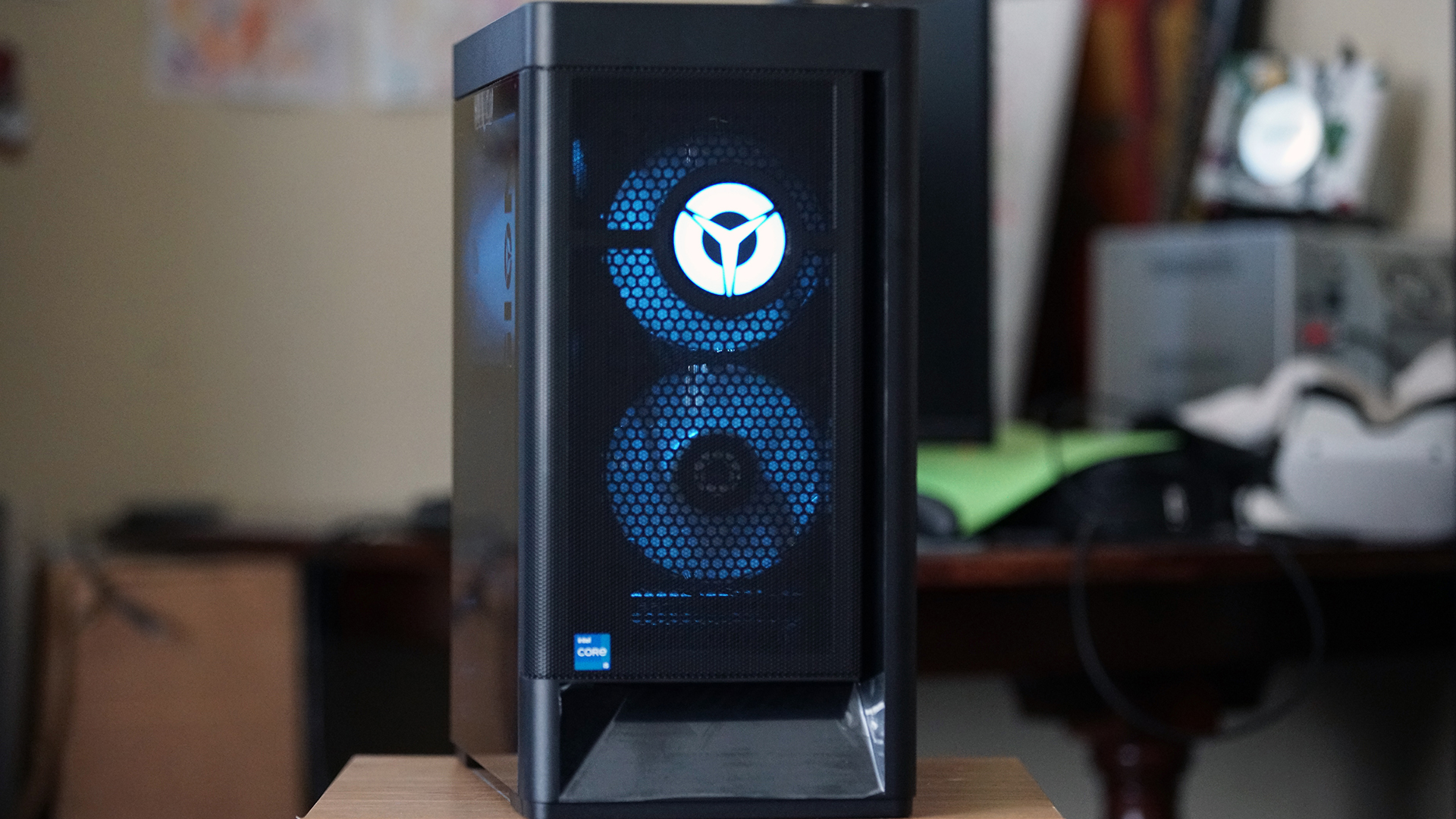 Lenovo Legion 5i front of case, showing fans, lighting and logo
