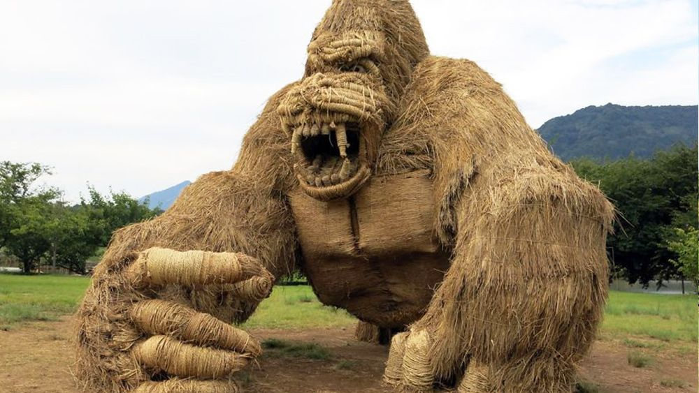 Incredible straw creatures invade Japanese city