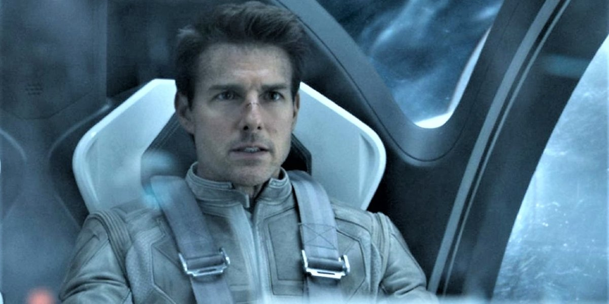 Oblivion Tom Cruise buckled into his space pod