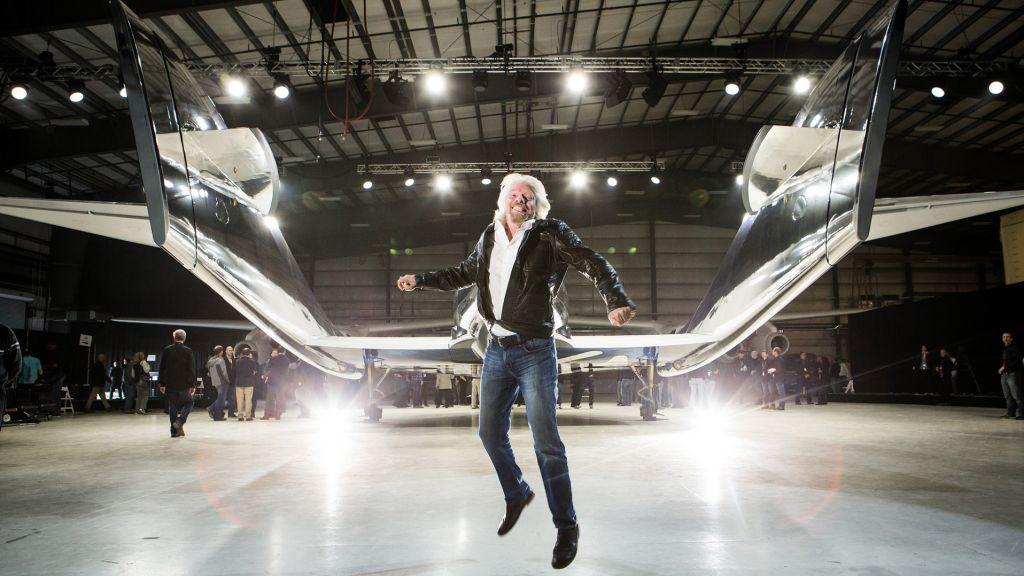 In photos: Virgin Galactic's 1st fully crewed spaceflight with billionaire Richard Branson