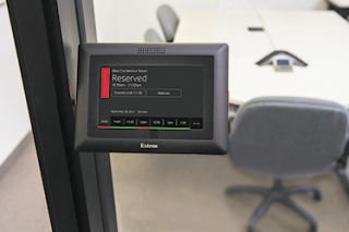 Extron Room Agent Simplifies the Booking Process
