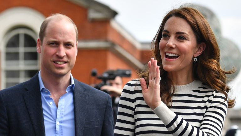 Prince William and Kate Middleton wave to the crowds