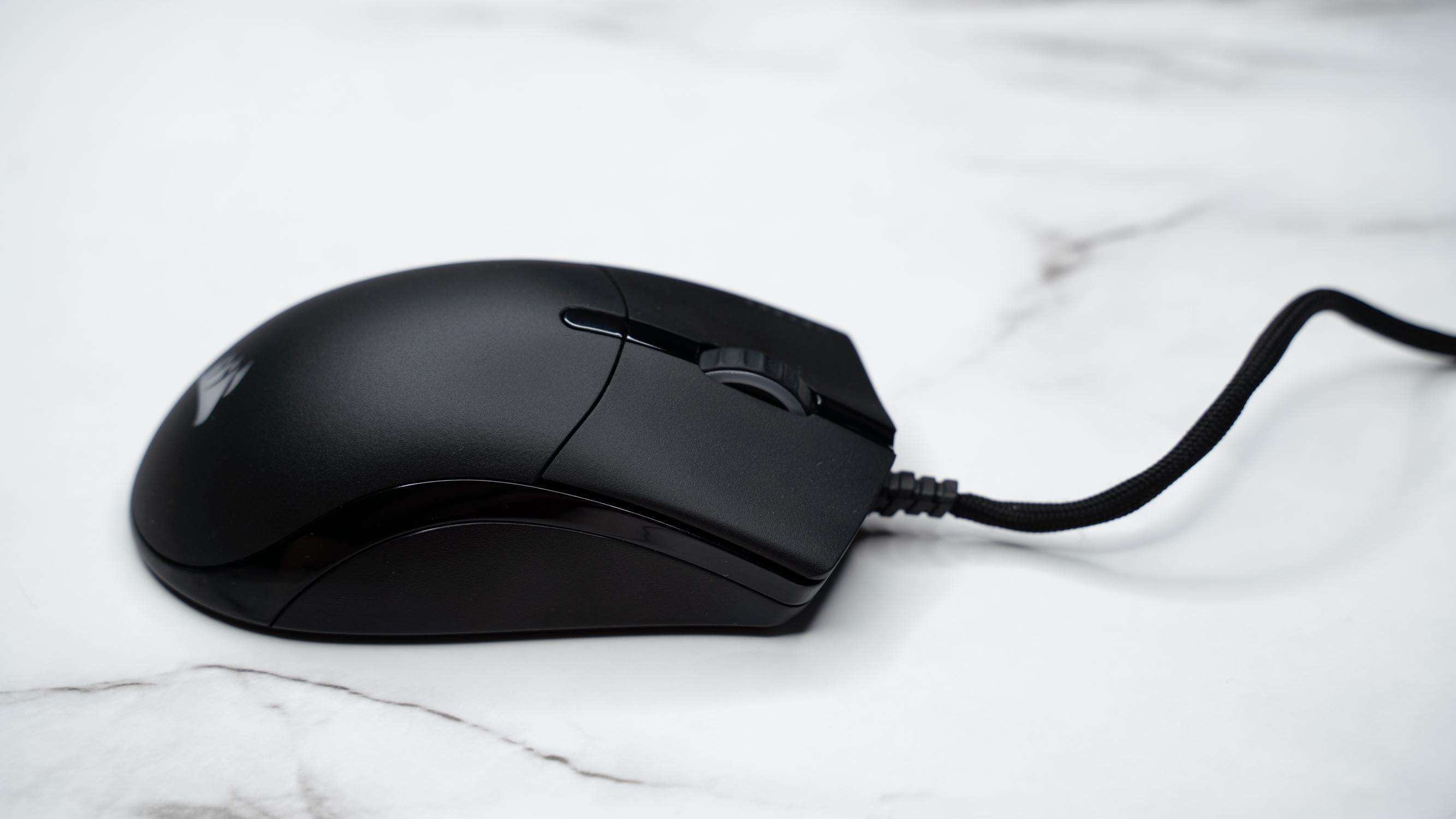 The Corsair Sabre RGB Pro Champion Series has a beautiful ergonomic shape.