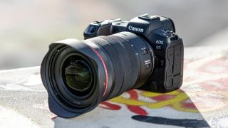 First Canon EOS R5 firmware addresses record times, improves IBIS