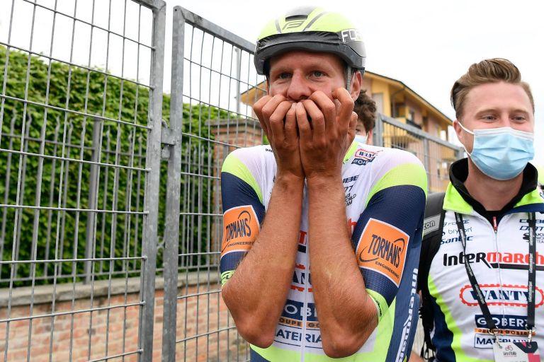 Taco van der Hoorn wins stage three of the Giro d'Italia 2021
