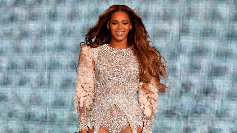 """Beyonce performs onstage during the """"On the Run II"""" Tour at NRG Stadium on September 15, 2018"""