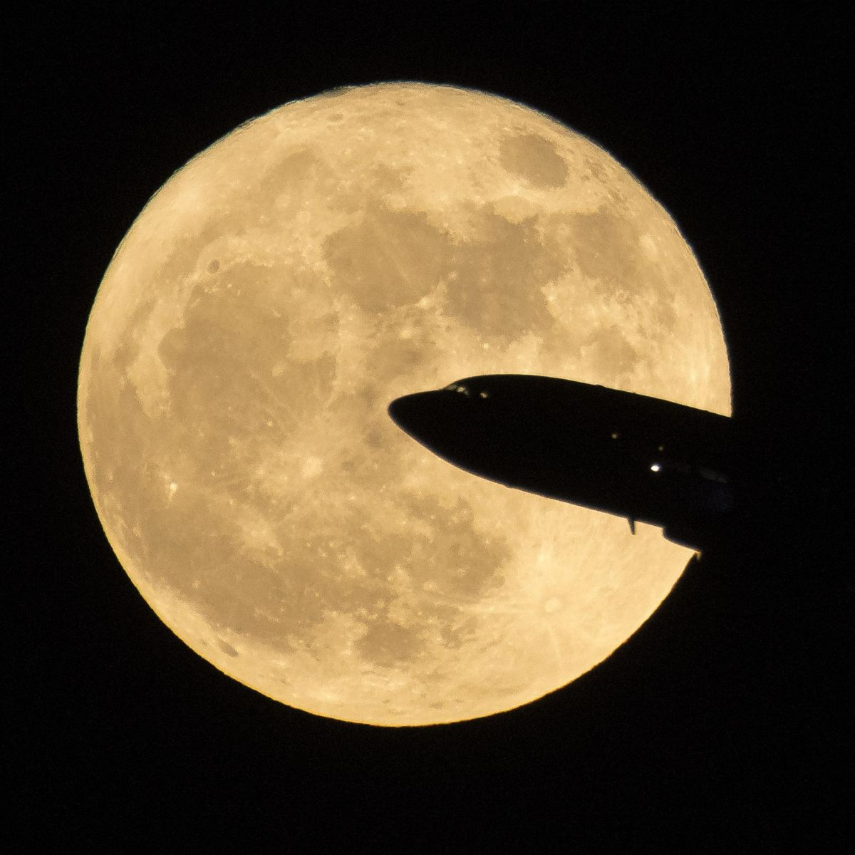 The 'Supermoon' Syndrome Rises with February's Full Moon