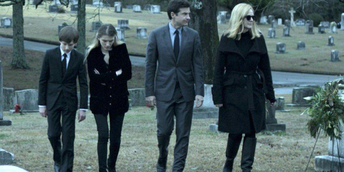 Jason Bateman, Laura Linney, and the onscreen children in Netflix original Ozark