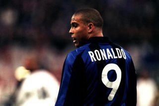Ronaldo football 90s
