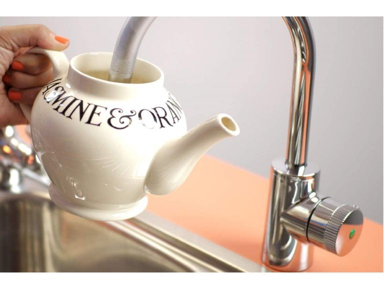 best boiling water tap filling up teapot