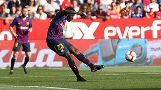 Samuel Umtiti playing for Barcelona