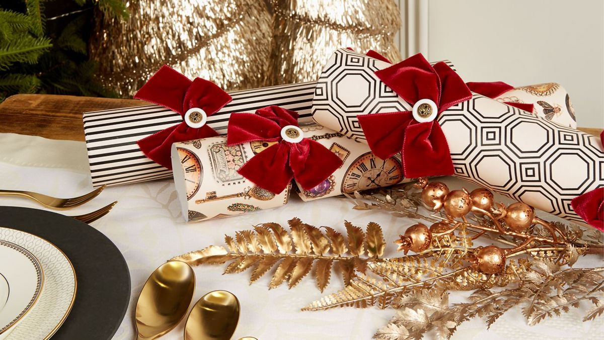 Harrods Christmas Crackers 2020 Best Christmas crackers 2020: luxury crackers available now | T3