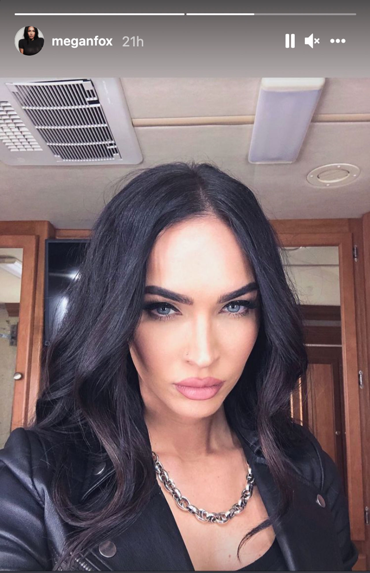 Megan Fox in Expendables 4 costume