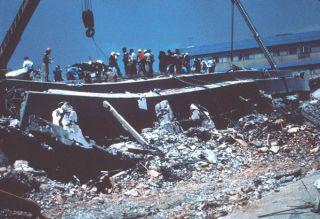 mexico-1985-earthquake-damage-hospital-110919-02