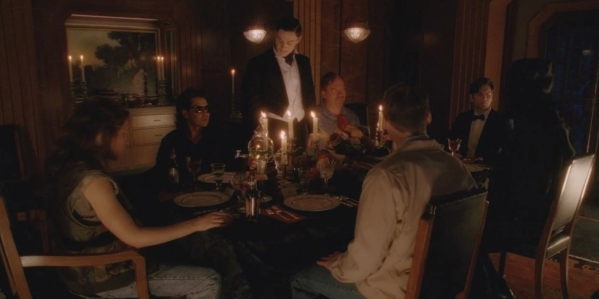"""Famous serial killers gather for Devil's Night in the """"Hotel"""" season of American Horror Story"""