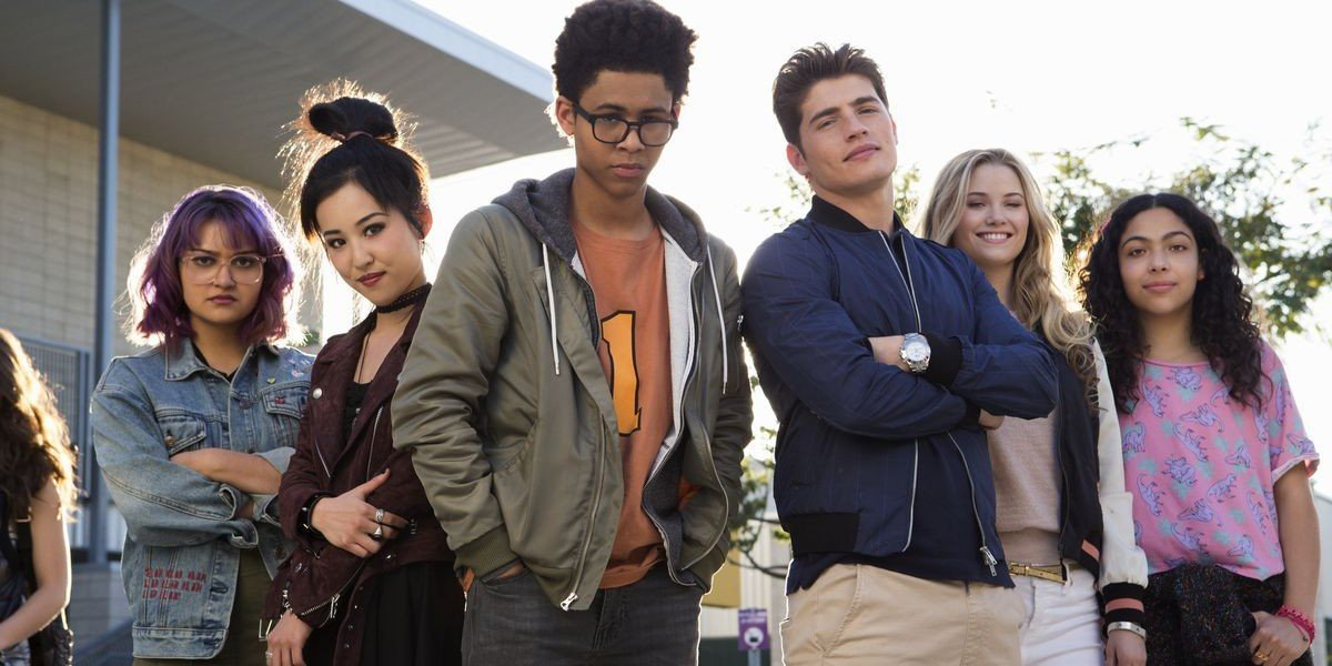 Virginia Gardner, Gregg Sulkin, Ariela Barer, Lyrica Okano, Allegra Acosta, and Rhenzy Feliz in Marvel's Runaways