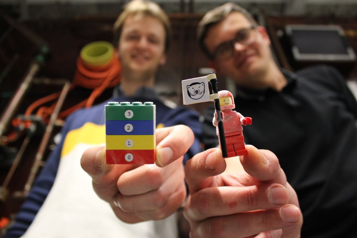 Lego Cryonaut Found a Way to Make Quantum Computing More Affordable - Tom's Hardware
