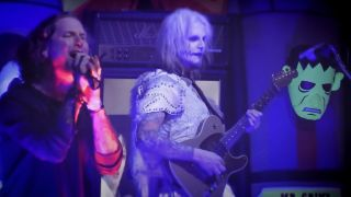 [L-R] Corey Taylor and John 5
