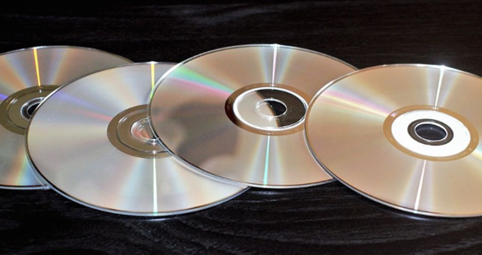 Researchers build 700TB optical disc that can probably store all of Netflix