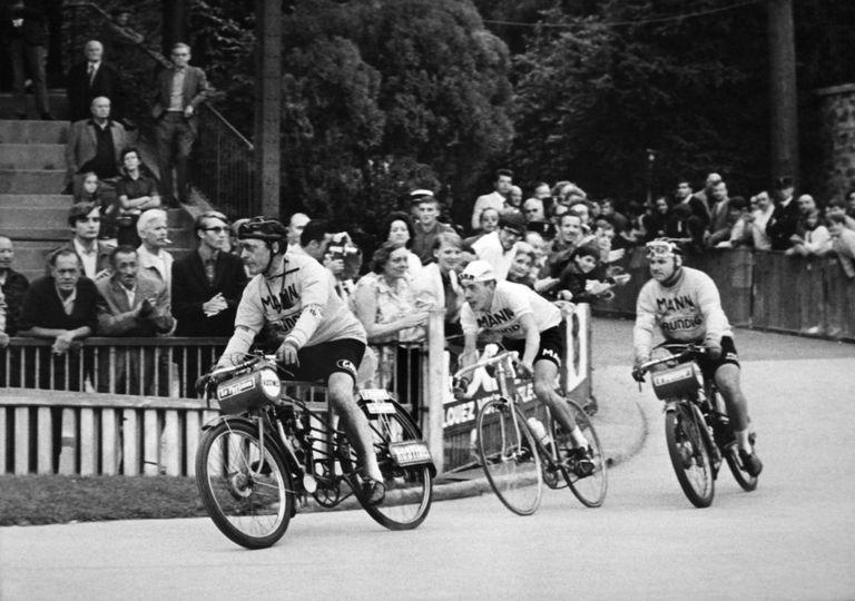 Herman van Springel following his derny at Bordeaux-Paris 1970