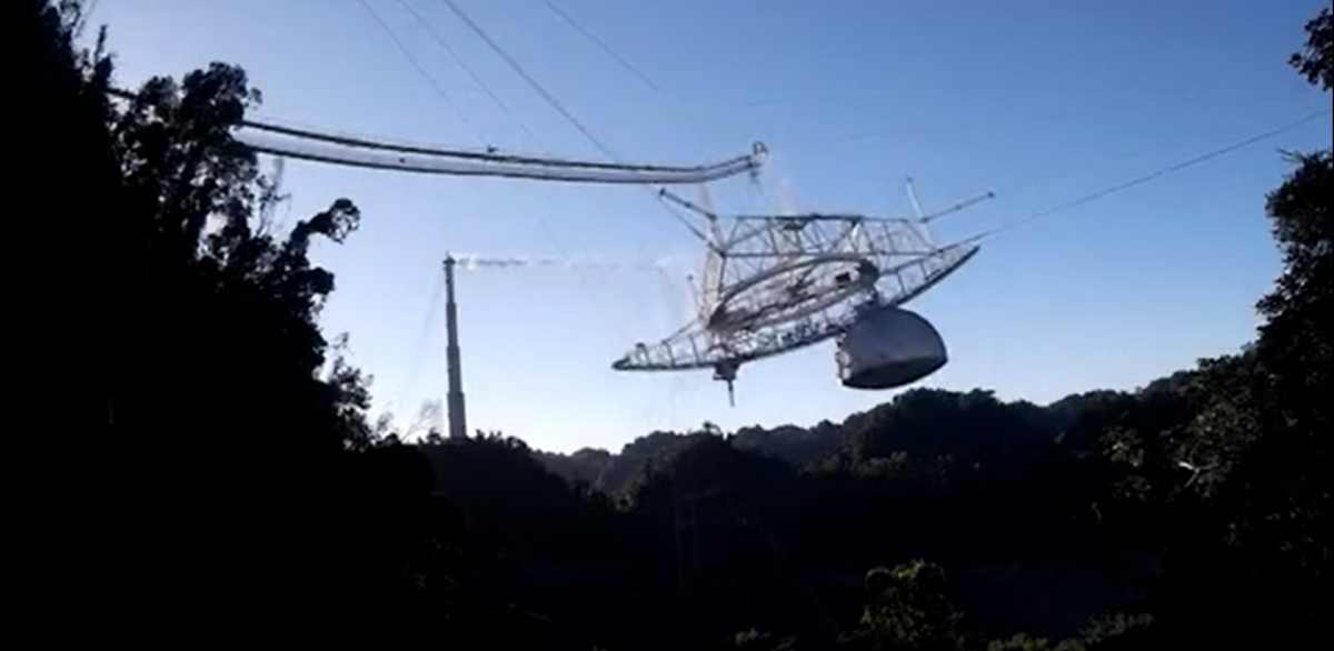 Terrifying footage shows collapse of Arecibo Observatory's massive radio telescope