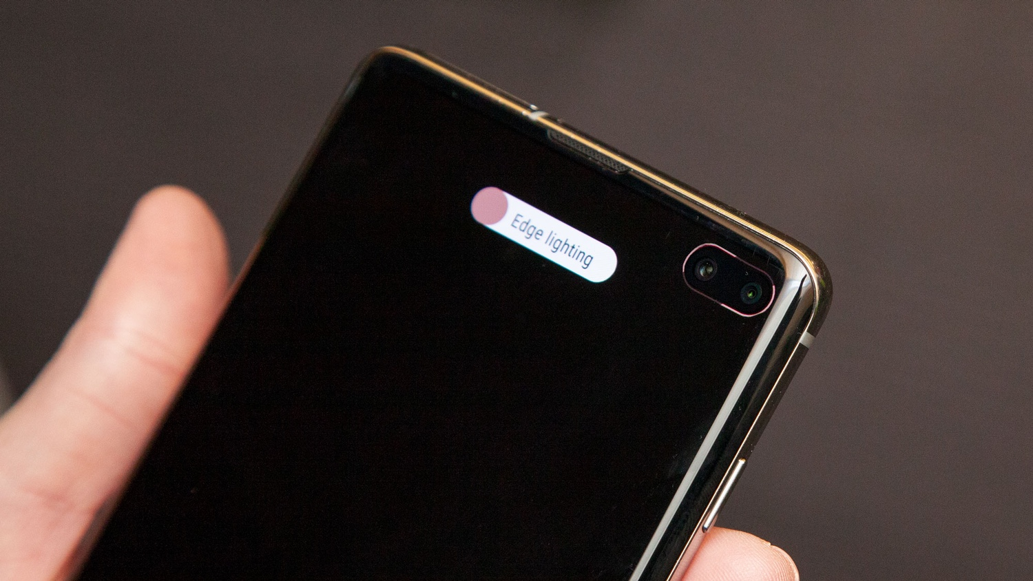 How To Create A Notification Light For Your Galaxy S10 Camera Cut Out Tom S Guide